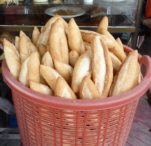 """Banh mi - vietnamese bread - (cut out from flickr5607479129)"" by Chris Conway, Hilleary Osheroff (flickr user ""chrisandhilleary"") - https://www.flickr.com/photos/chrisandhilleary/5607479129/. Licensed under CC BY 2.0 via Wikimedia Commons - http://commons.wikimedia.org/wiki/File:Banh_mi_-_vietnamese_bread_-_(cut_out_from_flickr5607479129).jpg#/media/File:Banh_mi_-_vietnamese_bread_-_(cut_out_from_flickr5607479129).jpg"